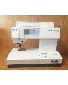 Macchina per cucire elettronica Pfaff Expression 2024 - Usata da dimostrazione